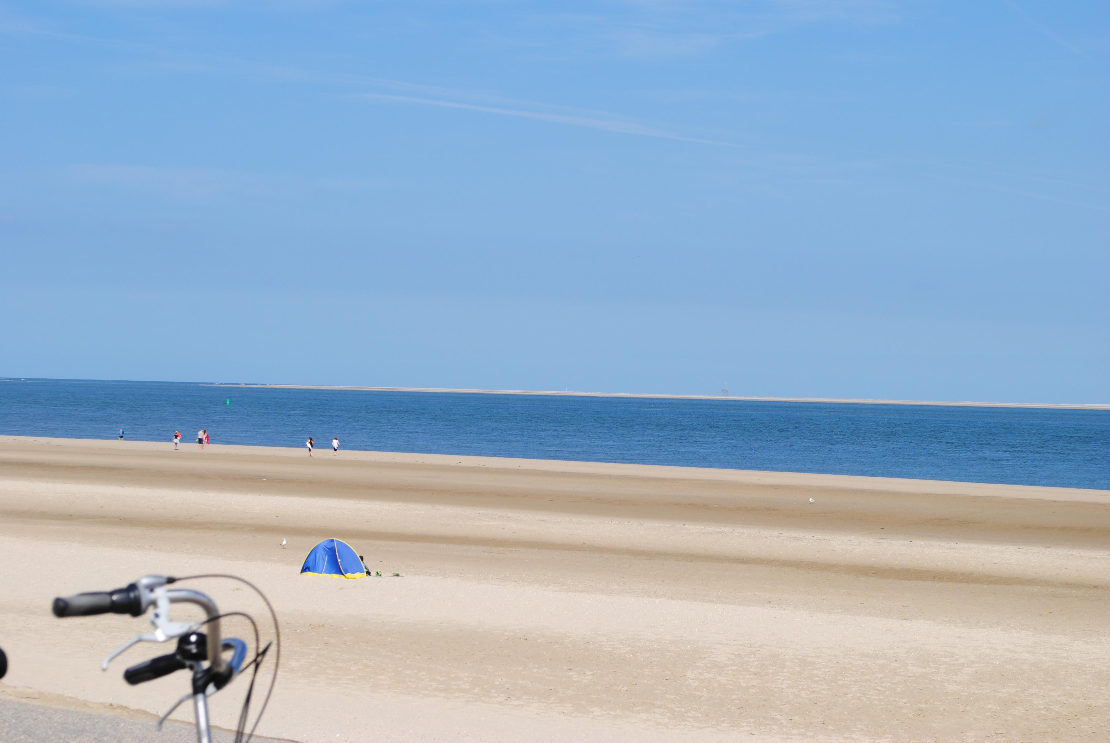 Strak blauwe lucht, en prachtige blauwe zee...
